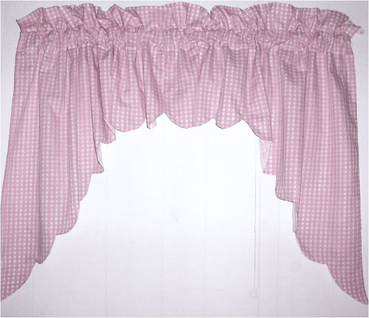 Light Pink Scalloped Window Swag Valance With White Lining